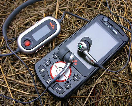 Sony Ericsson W900i: первый мобильник на NVIDIA GoForce 4800
