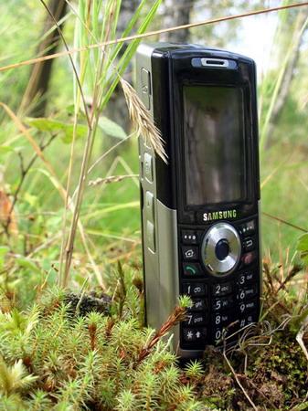 Samsung i300 – практически идеальный внешне смартфон