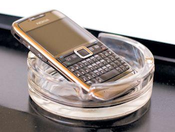 Обзор смартфона Nokia E71