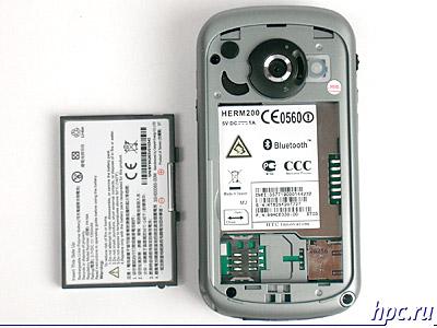 HTC TyTN со снятой крышкой аккумуляторного отсека