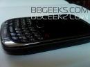 Новые фото недорогого смартфона BlackBerry Curve 9300