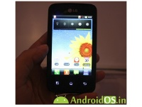 Android смартфон LG Univa E510 запечатлен вживую