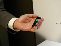 Willcom WX03A – самый маленький и легкий телефон в мире