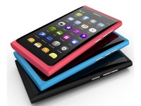 Китайская копия Nokia N9 использует «Symbian»