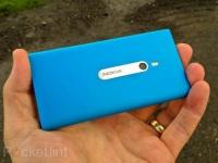 Бирюзовый и розовый Nokia Lumia 800 появятся на рынке чуть позже
