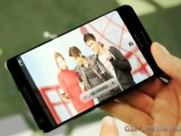 Galaxy S III появится на прилавках в апреле