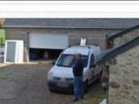 Житель Франции хочет 10 тысяч евро за снимок на Google Street View