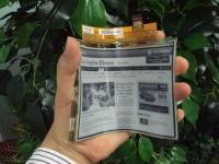 LG начинает массовое производство гибкой электронной бумаги