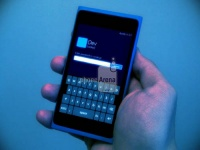 Первое фото Nokia Lumia 900 с Windows Phone 8 Apollo «на борту»