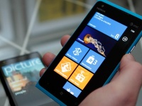Слухи: Nokia Lumia 910 получит Windows Phone 8