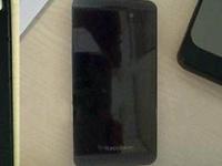 Смартфон BlackBerry London на новых фото