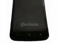 HTC One X+ «засветился» на «живом» фото