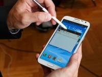 Galaxy Note III выйдет в двух версиях — с AMOLED дисплеем и LCD