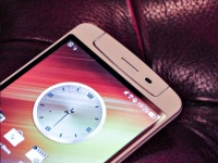 Продажи камерофона Oppo N1 стартуют 25 октября