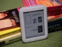 Barnes & Noble анонсировала ридер с подсветкой Nook GlowLight