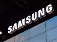 Samsung готовит к анонсу бюджетный 5.25-дюймовый планшетофон SM-G7106