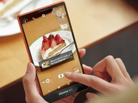 Sharp Aquos Zeta SH-04F — защищенный Android-флагман с рекордно узкими рамками