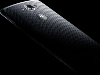 Флагман Motorola Droid Turbo показался на новых пресс-фото