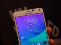 Samsung представила двухсимочную версию фаблета Galaxy Note 4