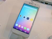 Huateng Flag D1 — YotaPhone-подобный смартфон с поддержкой dual-SIM за $320