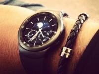 Топ-менеджер Samsung рассекретил смарт-часы Gear S2