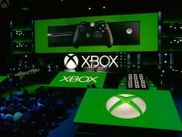 Microsoft представила на выставке E3 2016 новые игровые консоли Xbox
