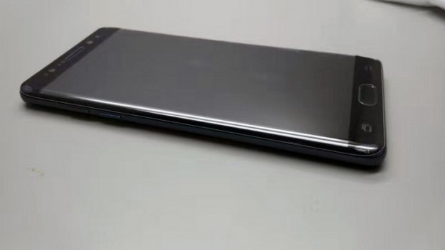 Samsung Galaxy Note 7 на фото