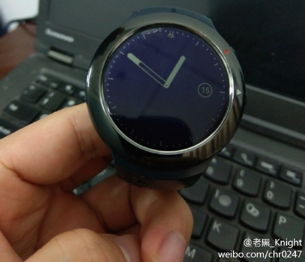ВСети показали «умные часы» НТС Halfbeak