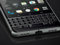 MWC 2017: Смартфон BlackBerry KEYone получил QWERTY-клавиатуру и Android 7.1