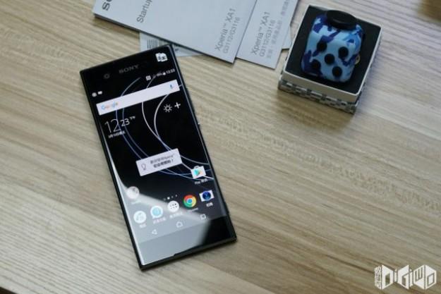 Смартфон Sony Xperia XA1 вышел в продажу
