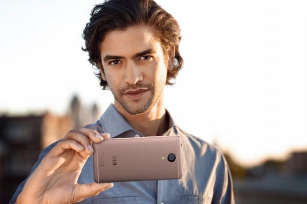 Компания Elephone представила два телефона для фотографирования
