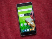 Smartron srt.phone — 8-ядерный смартфон с Full HD экраном, 4 ГБ ОЗУ и USB Type-C за $202