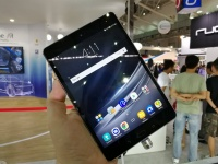 ASUS ZenPad 3S 8.0 — тонкий металлический планшет с 13Мп камерой