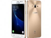 Смартфон Samsung Galaxy J3 (2017) SM-J330F по статистике обходит другие модели J серии