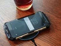 iPhone 8 сделает массовой беспроводную зарядку, которая уже используется в смартфоне DOOGEE S60