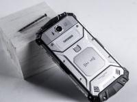 Почему люди платят $500 или больше за прочный телефон вместо iPhone?