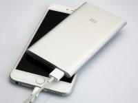 Выбираем полезный подарок владельцу смартфона