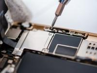 SMARTlife: Чем опасны «водные процедуры» для iPhone