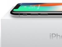 Замена дисплея и батареи iPhone X на видео