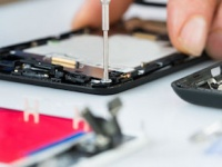 Почему не стоит пытаться отремонтировать смартфон самостоятельно?