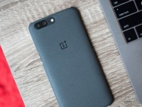 Флагман OnePlus 6 получит новый формат экрана
