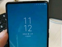 Безрамочный смартфон Xiaomi Mi MIX 2S показался на живых фото