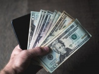 SMARTlife: Берем краткосрочный кредит на смартфон? Где и как?