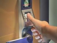 SMARTtech: Установка двери так, чтобы ее могли открыть только при аварийном вскрытии замков