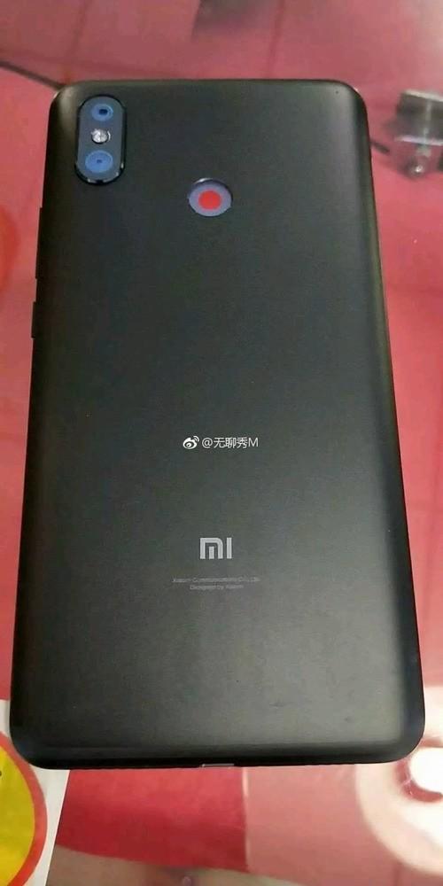 Смартфон Xiaomi Mi Max 3 окончательный дизайн на снимках