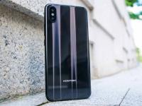 Смартфон Homtom H10 получил боковой сканер отпечатков пальцев