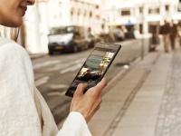 Для чего нужен смартфон Sony с большим экраном?