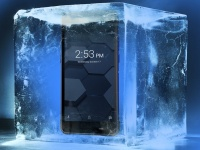 Обзор защищенных возможностей смартфона Poptel P10: проезд автомобилем, поджог, замораживание, окунание под воду