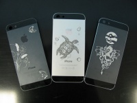 Гравировка на телефонах и аксуссуарах