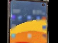 Samsung Galaxy S10 впервые на живом фото